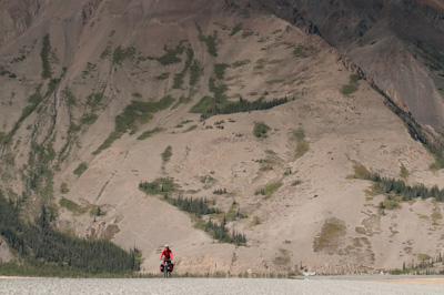 The steep side mountains rose up sheer and dramatic around us. As the tourist blurb goes, Yukon: Larger than life.