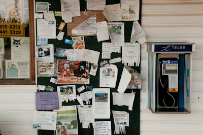 I like checking out what's on the noticeboards of diners, gas stations and small town grocery stores - they offer little insights into the day to day goings on of these communities.